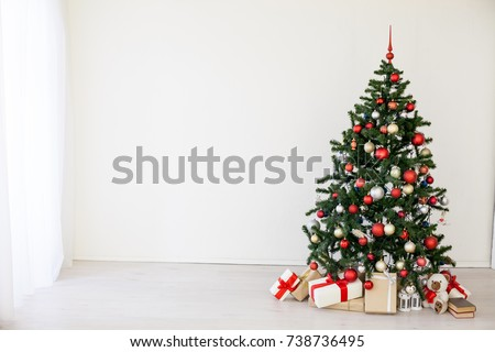 christmas tree with red gifts...