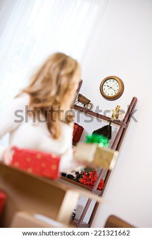 Christmas: Woman Worried About Time To Send Gifts