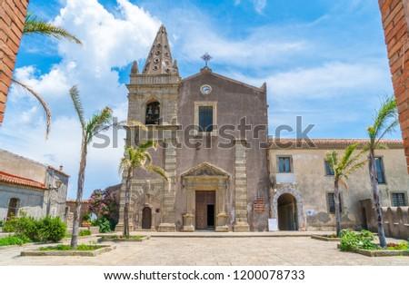 Church of the Holy Trinity d02f92d4ee899