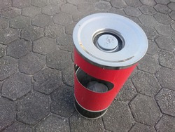 Cigarette trash cans are made of stainless steel so they are very durable and not easy to rust.