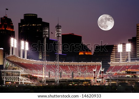 Cincinnati Ohio After Sunset, Reds vs Cubs