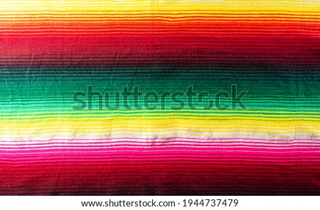 Cinco de mayo background decorated image made from mexican blanket stripes or poncho serape background. Foto stock ©