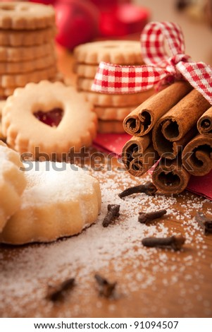 Cinnamon sticks with Christmas cookies