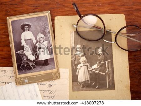 circa 1915  vintage family...