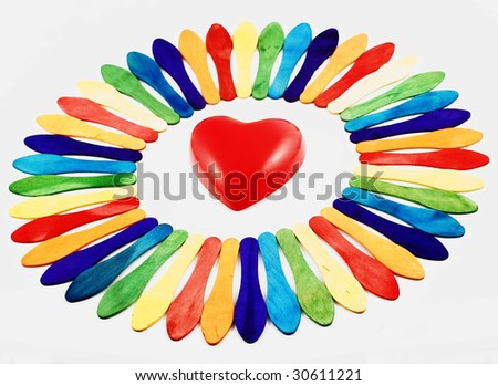 circle ice cream spoon arrangement with heart straight in centre
