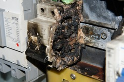 circuit breaker main burn fire in control box