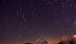 Circumpolar between communication antennas, night photography, astronomy