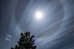Cirrostratus clouds and solar halo
