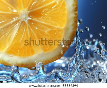 citrus in water