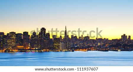 Cityscape of downtown financial district of San Francisco, California, USA