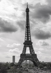 Classic image of the Eiffel Tower, Paris, France