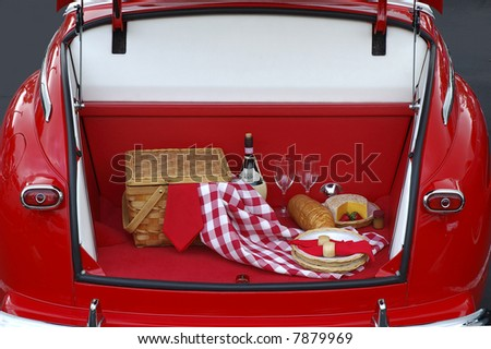 Classic tailgate is the theme of this car showcase at the rally