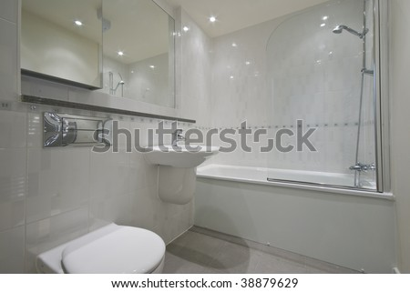 classic white en-suite bathroom