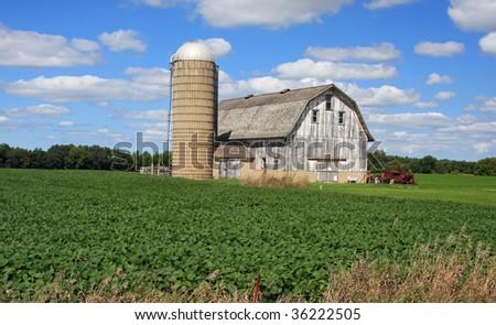 Classic Wisconsin barn and silo in the American Heartland