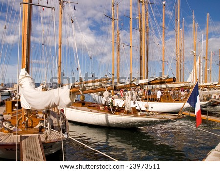 Classic Yacht 1 - French Flag
