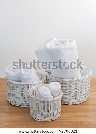 how to clean whirw wickwr baskets