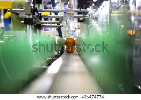 Clear Bottles transfer on Conveyor Belt System