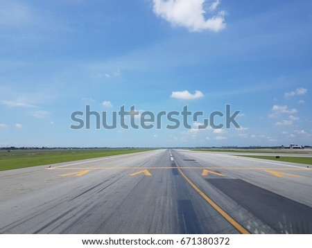 clear for take off #671380372