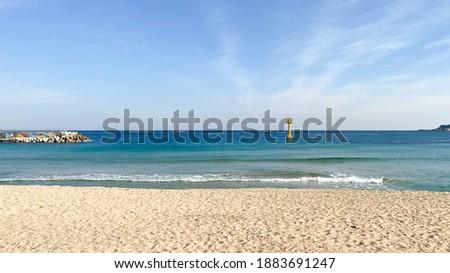 clear sea. Rock and sand, The east Sea of Korea. 商業照片 ©