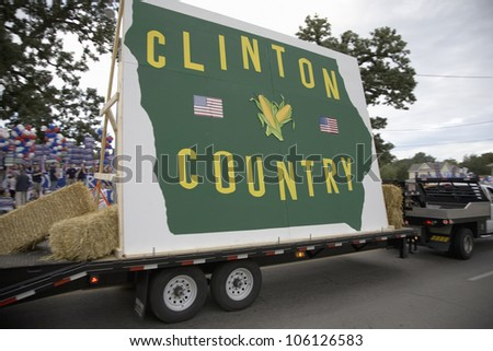 Clinton Country float driving in front of Drake University, August 19, 2007, as part of the Presidential Primaries, Des Moines, Iowa