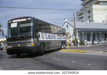 Clinton/Gore bus leaves San Antonio during the 1992 Buscapade campaign tour in San Antonio, Texas