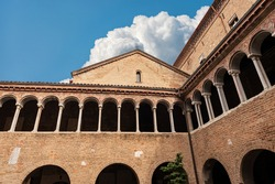 Cloister of the Basilica of Santo Stefano also known by the name of the Seven Churches in early Christian, Romanesque and Gothic style. Bologna, Emilia-Romagna, Italy, Europe.