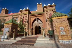 Close to Marrakesh, beautiful riad with mosaic and wood massive door