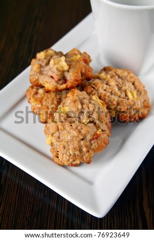close-up homemade cookies with oatmeal, apple and cinnamon