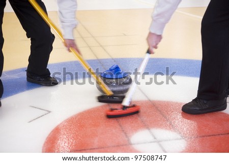 Close up of a Curling situation
