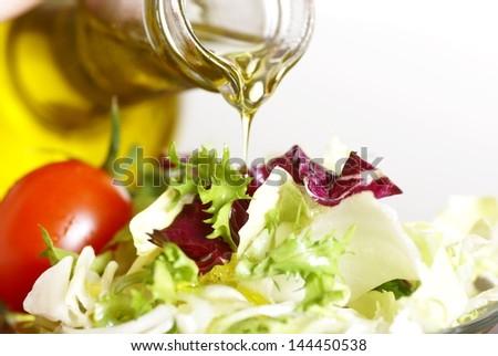 Салат с оливковым маслом с фото