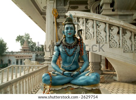 close up of shiva statue chattapur mandir temple new delhi india