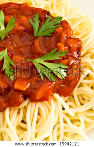 close-up of spaghetti and tomato sauce