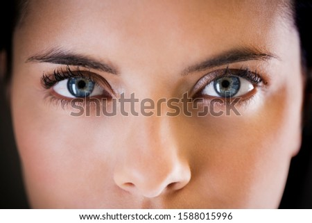 Close-up portrait of a young woman Foto stock ©