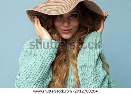 Close-up portrait of nice-looking attractive lovely lovable pretty cute winsome gorgeous cheerful cheery wavy-haired blonde woman isolated on pastel color background wearing stylish clothes and Photo stock ©