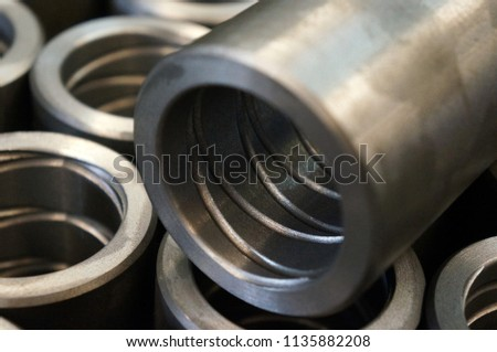 Close up spiral oil groove of a bushing