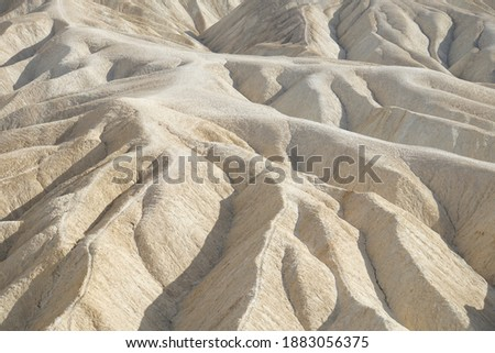 Close-up view of the textures and patterns in the landscape at Zabriskie Point in Death Valley National Park Photo stock ©