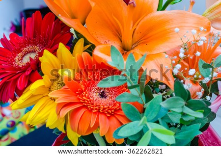 Close up with a colorful mix of spring flowers
