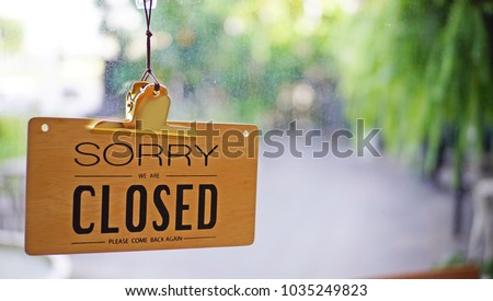 closed sign cafe