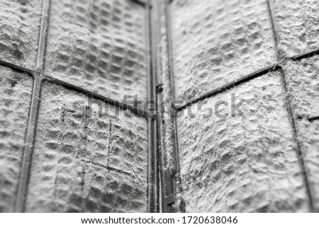 closeup dirty air conditioning filter with PM 2.5 dust and disease bacteria or covid-19 coronavirus to use long time and unclean in bedroom at home which causes allergies and sneeze with cold cough Foto stock ©
