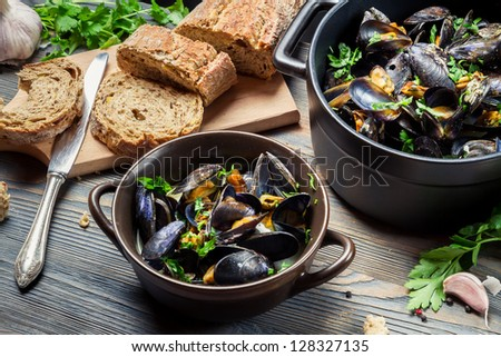 Closeup of homemade way of serving mussels