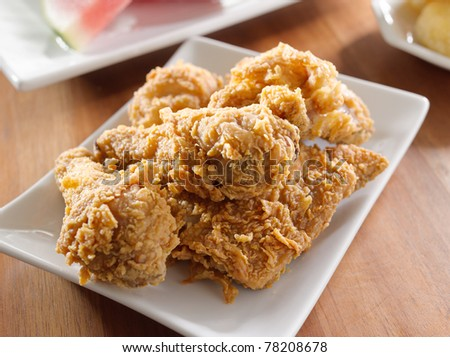 closeup photo of fried chicken