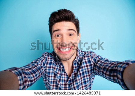 Closeup photo portrait of cheerful positive always optimistic true friend he blogger influencer taking making picture image having free time video call isolated pastel background dental care concept