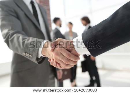 closeup.reliable handshake of business partners