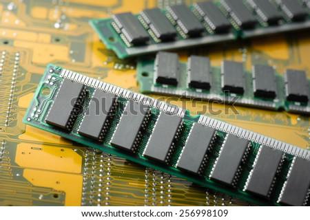 closeup SIMM 72-pin RAM (Old technology)