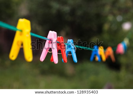 clothes pin color