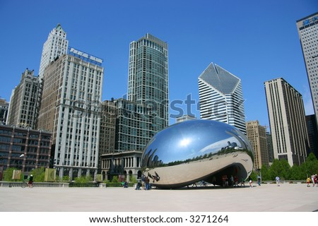 "Cloud Gate sculpture aka ""The bean"", Millennium Park, Chicago, Illinois"