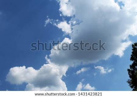clouds of clear and clear sky