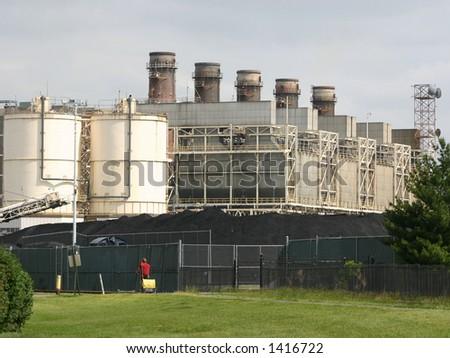 Coal burning power plant in Alexandria VA