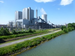 Coal power plant Hanover on the side of the Mittelland Canal, Germany