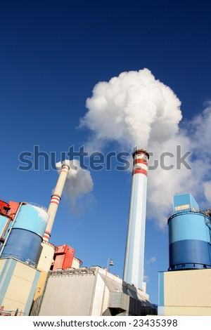 Coal power plant polluting the planet